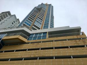 Apartamento En Alquiler En Panama, San Francisco, Panama, PA RAH: 17-3005