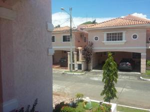 Casa En Alquiler En Panama, Altos De Panama, Panama, PA RAH: 17-3045