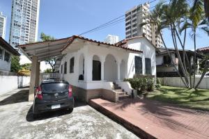 Casa En Alquiler En Panama, San Francisco, Panama, PA RAH: 17-3143