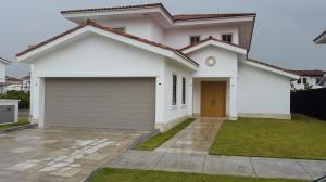 Casa En Venta En Panama, Santa Maria, Panama, PA RAH: 17-3192