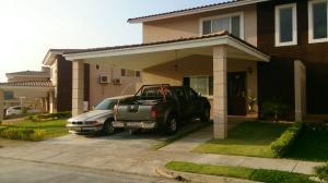 Casa En Alquiler En Panama, Brisas Del Golf, Panama, PA RAH: 17-3212
