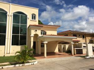 Casa En Ventaen Panama, Clayton, Panama, PA RAH: 16-156