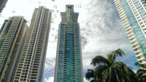 Apartamento En Venta En Panama, Costa Del Este, Panama, PA RAH: 17-3243
