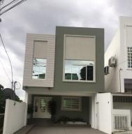 Casa En Venta En Panama, Altos De Panama, Panama, PA RAH: 17-3366
