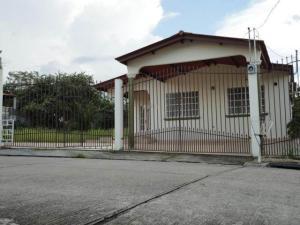 Casa En Venta En Panama, Brisas Del Golf, Panama, PA RAH: 17-3400