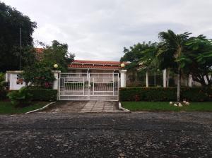 Casa En Venta En Chame, Coronado, Panama, PA RAH: 17-3419