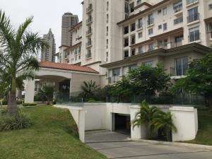 Apartamento En Venta En Panama, Santa Maria, Panama, PA RAH: 17-3422