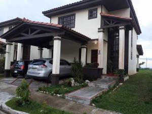 Casa En Alquiler En Panama, Las Cumbres, Panama, PA RAH: 17-3541