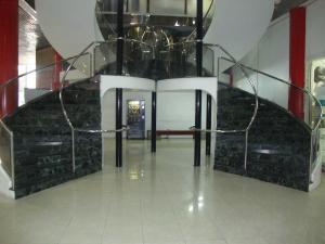 Oficina En Alquiler En Panama, Avenida Balboa, Panama, PA RAH: 17-3771