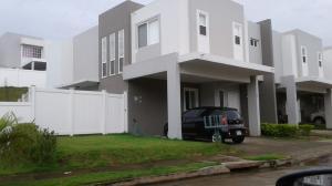 Casa En Alquiler En Panama, Brisas Del Golf, Panama, PA RAH: 17-3847