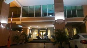 Apartamento En Alquiler En Panama, Avenida Balboa, Panama, PA RAH: 17-3857