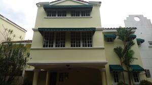 Casa En Venta En Panama, Altos Del Golf, Panama, PA RAH: 17-3921