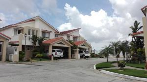 Casa En Ventaen Panama, Brisas Del Golf, Panama, PA RAH: 17-3986