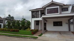 Casa En Alquiler En Panama, Brisas Del Golf, Panama, PA RAH: 17-4004