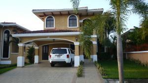 Casa En Alquiler En Panama, Clayton, Panama, PA RAH: 17-4086