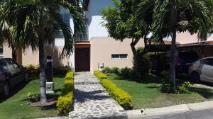 Casa En Venta En Rio Hato, Playa Blanca, Panama, PA RAH: 17-4101