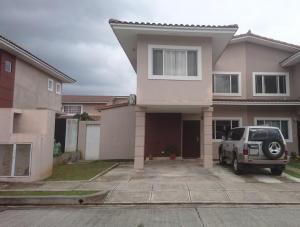 Casa En Venta En Panama, Brisas Del Golf, Panama, PA RAH: 17-4166