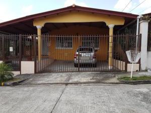 Casa En Venta En Panama, Brisas Del Golf, Panama, PA RAH: 17-4171