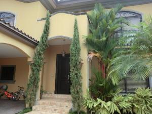 Casa En Venta En Panama, Costa Del Este, Panama, PA RAH: 17-4317