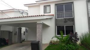 Casa En Venta En La Chorrera, Chorrera, Panama, PA RAH: 17-4329