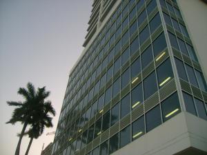 Apartamento En Alquiler En Panama, Avenida Balboa, Panama, PA RAH: 17-4415