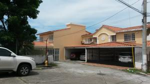 Casa En Venta En Panama, Altos De Panama, Panama, PA RAH: 17-4567