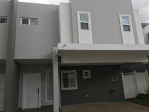 Casa En Venta En Panama, Brisas Del Golf, Panama, PA RAH: 17-4609