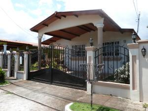 Casa En Venta En Panama, Brisas Del Golf, Panama, PA RAH: 17-4671