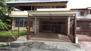 Casa En Venta En Panama, San Francisco, Panama, PA RAH: 17-4686