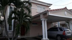Casa En Venta En Panama, Altos De Panama, Panama, PA RAH: 17-4705