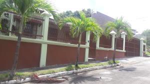 Casa En Alquiler En Panama, Milla 8, Panama, PA RAH: 17-4778