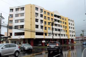 Apartamento En Alquiler En Panama, 12 De Octubre, Panama, PA RAH: 17-4864