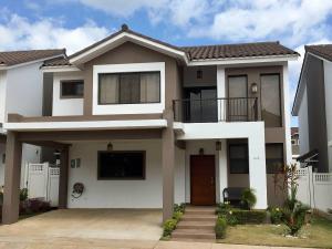 Casa En Venta En Panama, Brisas Del Golf, Panama, PA RAH: 17-4928