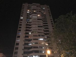 Apartamento En Venta En Panama, El Dorado, Panama, PA RAH: 17-4925