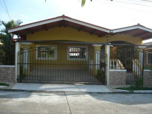 Casa En Alquiler En Panama, Brisas Del Golf, Panama, PA RAH: 17-4953