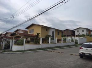 Casa En Alquiler En Panama, Las Cumbres, Panama, PA RAH: 17-5021