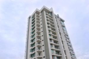 Apartamento En Alquiler En Panama, El Cangrejo, Panama, PA RAH: 17-5095