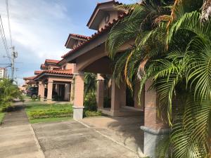Casa En Alquileren Panama, Versalles, Panama, PA RAH: 17-5176