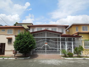 Casa En Ventaen Panama, Brisas Del Golf, Panama, PA RAH: 17-5443