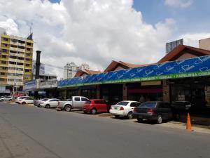 Local Comercial En Alquileren Panama, Obarrio, Panama, PA RAH: 17-5654