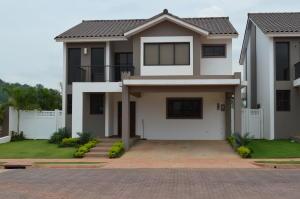 Casa En Alquileren Panama, Brisas Del Golf, Panama, PA RAH: 17-6039