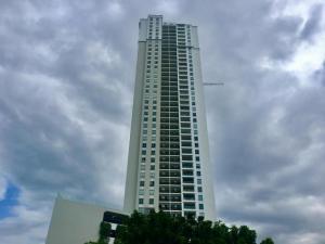 Apartamento En Alquileren Panama, Santa Maria, Panama, PA RAH: 17-6082
