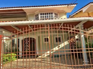 Casa En Ventaen Panama, Condado Del Rey, Panama, PA RAH: 17-6114