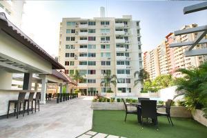 Apartamento En Alquileren Panama, Condado Del Rey, Panama, PA RAH: 17-6274