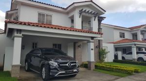 Casa En Alquileren Panama, Versalles, Panama, PA RAH: 17-6505