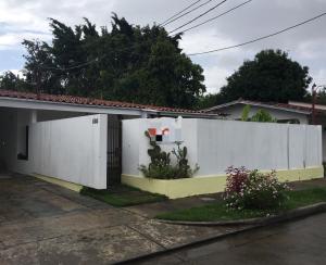 Casa En Alquileren Panama, Chanis, Panama, PA RAH: 17-6531