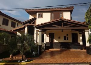 Casa En Ventaen Panama, Las Cumbres, Panama, PA RAH: 17-6652