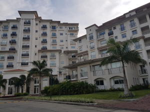 Apartamento En Alquileren Panama, Santa Maria, Panama, PA RAH: 17-6645