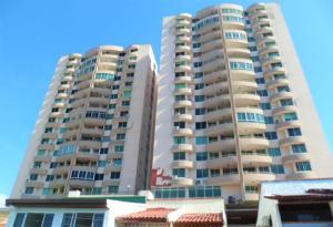 Apartamento En Alquileren Panama, 12 De Octubre, Panama, PA RAH: 18-74