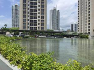 Apartamento En Ventaen Panama, Condado Del Rey, Panama, PA RAH: 18-194